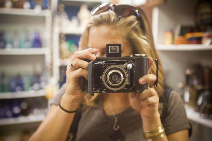 Jessie on a boat, Bonish Photography, Savannah, Photographer